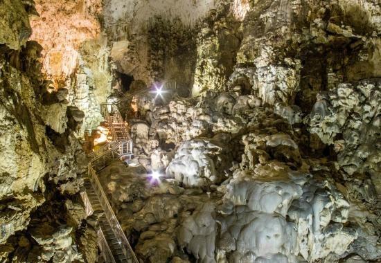 Margerethe, la prima donna nelle Grotte del Cucco