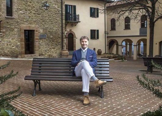 Brunello Cucinelli, il laboratorio del cashmere nascosto in un borgo medievale dell'Umbria